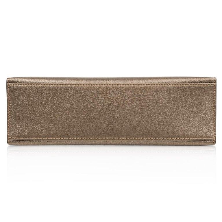 Hermes Kelly Pochette Metallic Bronze Clutch Bag Chevre Palladium For Sale 2