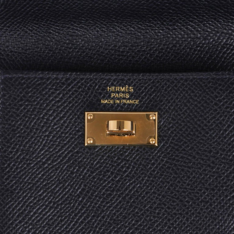 Hermes Kelly Pocket Compact Wallet Noir Epsom Gold Hardware New w/Box In New Condition For Sale In Miami, FL