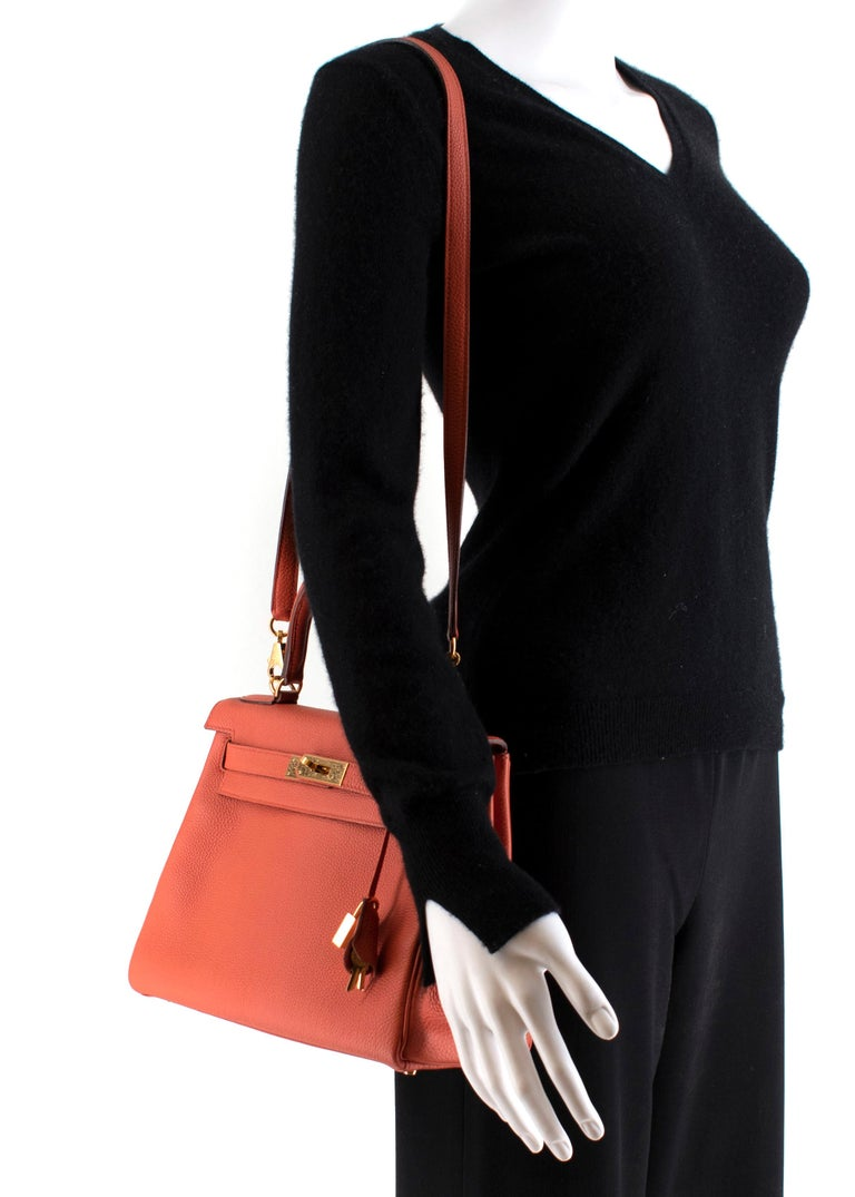 Hermès Kelly Retourné 28 in Rosy Togo Leather GHW For Sale 5
