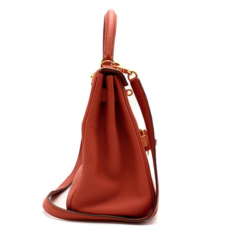 Hermès Kelly Retourné 28 in Rosy Togo Leather GHW In New Condition For Sale In London, GB