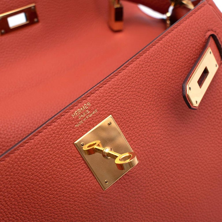 Hermès Kelly Retourné 28 in Rosy Togo Leather GHW For Sale 4