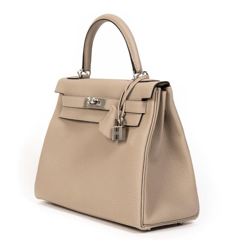 Women's or Men's Hermès Kelly Retourne 28 Togo Gris Tourterelle PHW For Sale