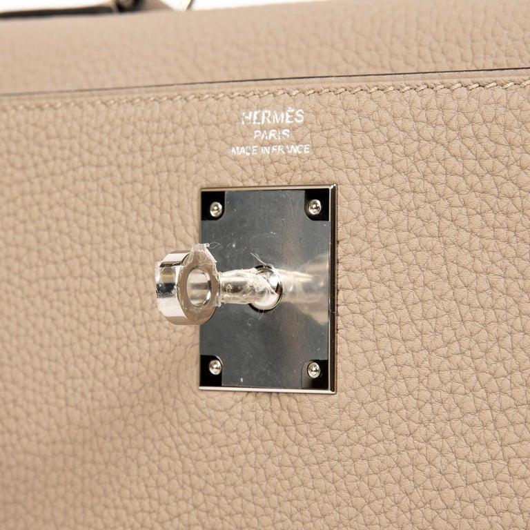 Hermès Kelly Retourne 28 Togo Gris Tourterelle PHW For Sale 3