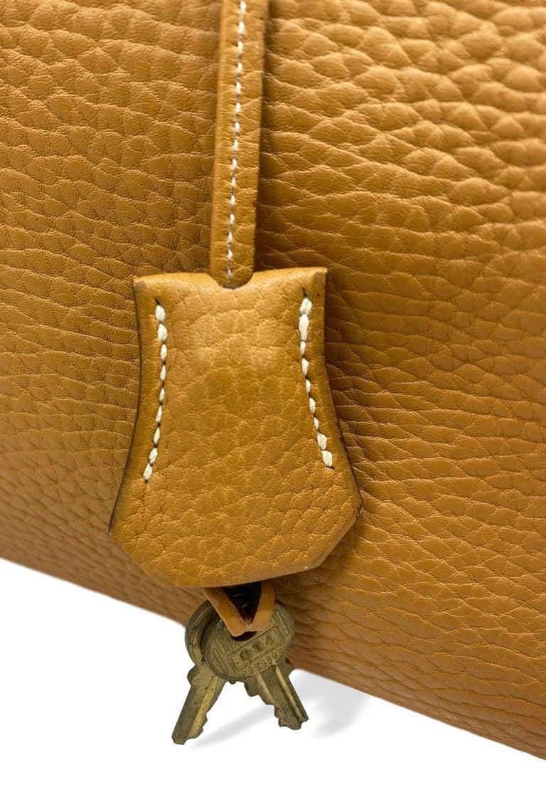 Hermès Kelly Retourne Handbag Gold Fjord Leather with Gold Hardware 40, 1985.  For Sale 5