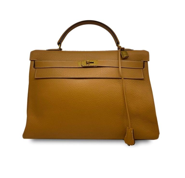 Brown Hermès Kelly Retourne Handbag Gold Fjord Leather with Gold Hardware 40, 1985.  For Sale