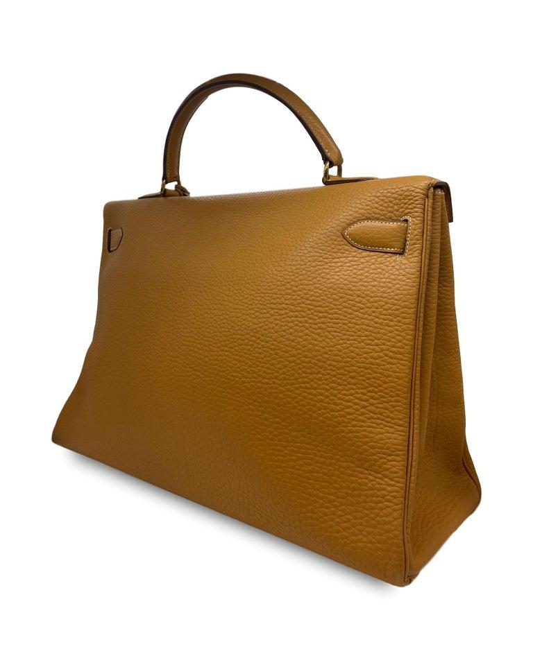 Women's or Men's Hermès Kelly Retourne Handbag Gold Fjord Leather with Gold Hardware 40, 1985.  For Sale