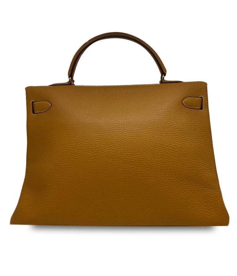 Hermès Kelly Retourne Handbag Gold Fjord Leather with Gold Hardware 40, 1985.  For Sale 1