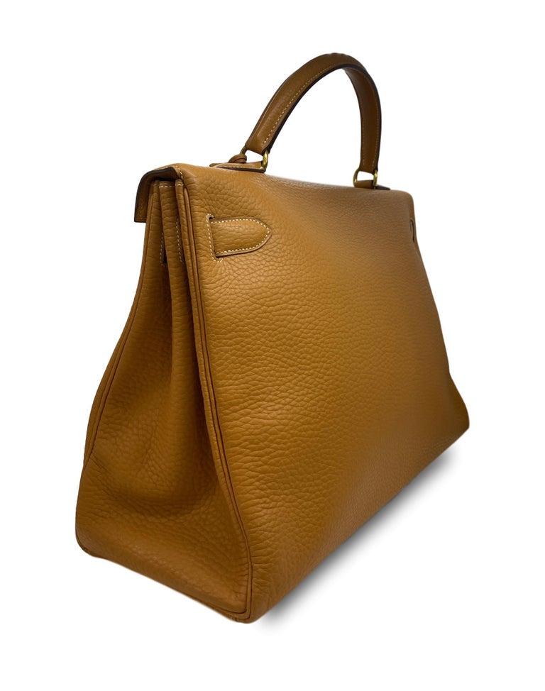 Hermès Kelly Retourne Handbag Gold Fjord Leather with Gold Hardware 40, 1985.  For Sale 2