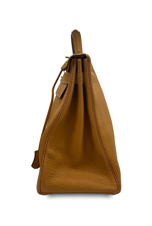 Hermès Kelly Retourne Handbag Gold Fjord Leather with Gold Hardware 40, 1985.  For Sale 3