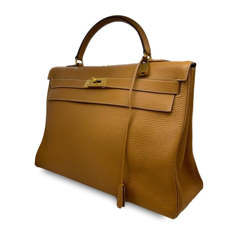 Hermès Kelly Retourne Handbag Gold Fjord Leather with Gold Hardware 40, 1985.  For Sale 4
