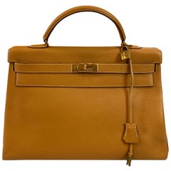 Hermès Kelly Retourne Handbag Gold Fjord Leather with Gold Hardware 40, 1985.