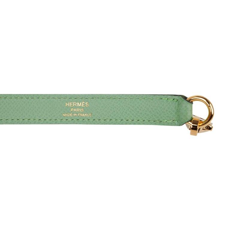 Hermes Kelly Sellier 25 Bag Vert Criquet Epsom Leather Gold Hardware  For Sale 7