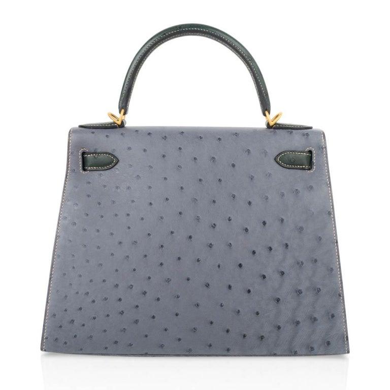 Hermes Kelly Sellier 28 HSS Bag Gris Agate / Vert Titien Ostrich Gold Hardware For Sale 5