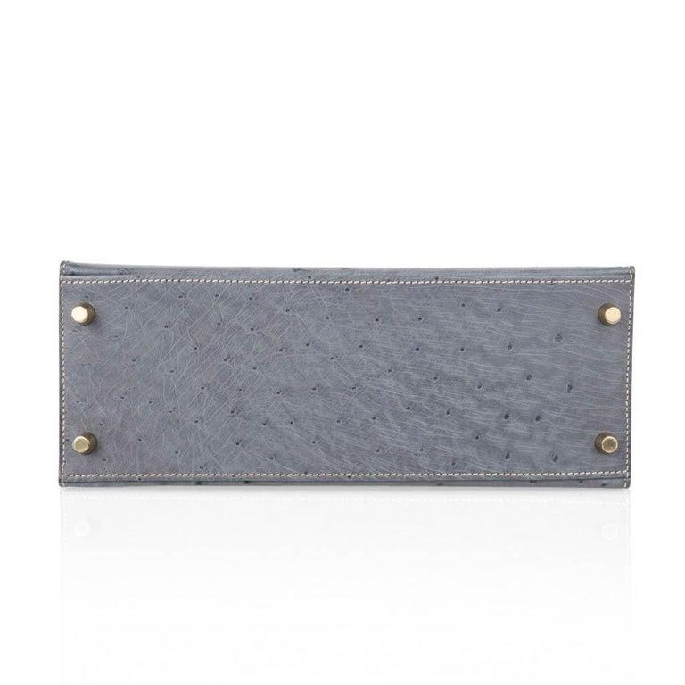 Hermes Kelly Sellier 28 HSS Bag Gris Agate / Vert Titien Ostrich Gold Hardware For Sale 6
