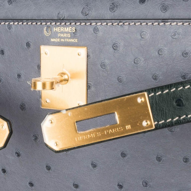 Gray Hermes Kelly Sellier 28 HSS Bag Gris Agate / Vert Titien Ostrich Gold Hardware For Sale