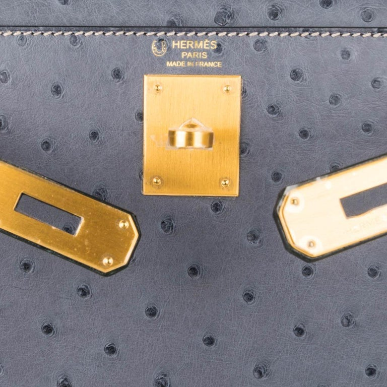 Hermes Kelly Sellier 28 HSS Bag Gris Agate / Vert Titien Ostrich Gold Hardware In New Condition For Sale In Miami, FL