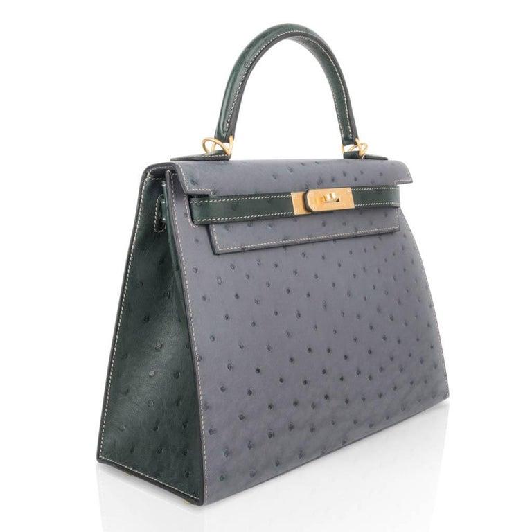 Women's Hermes Kelly Sellier 28 HSS Bag Gris Agate / Vert Titien Ostrich Gold Hardware For Sale