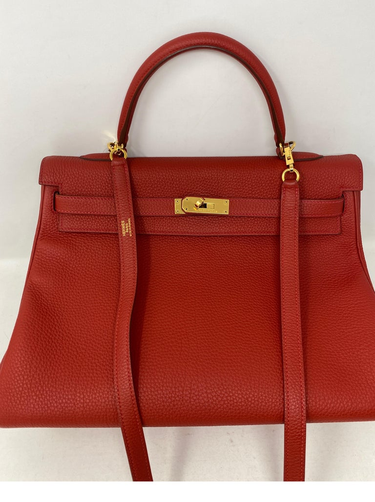 Hermes Kelly Vermilion Red 35 Bag In Good Condition For Sale In Athens, GA
