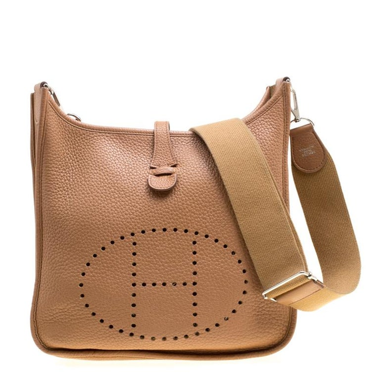 Hermes Kraft Clemence Leather Evelyne III PM Bag For Sale at 1stdibs c889922dd4a93