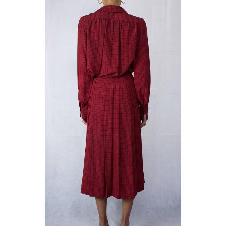 Women's Hermès lattice print silk ensemble, circa 1970s For Sale