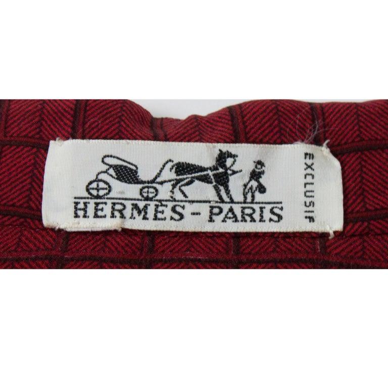 Hermès lattice print silk ensemble, circa 1970s For Sale 3
