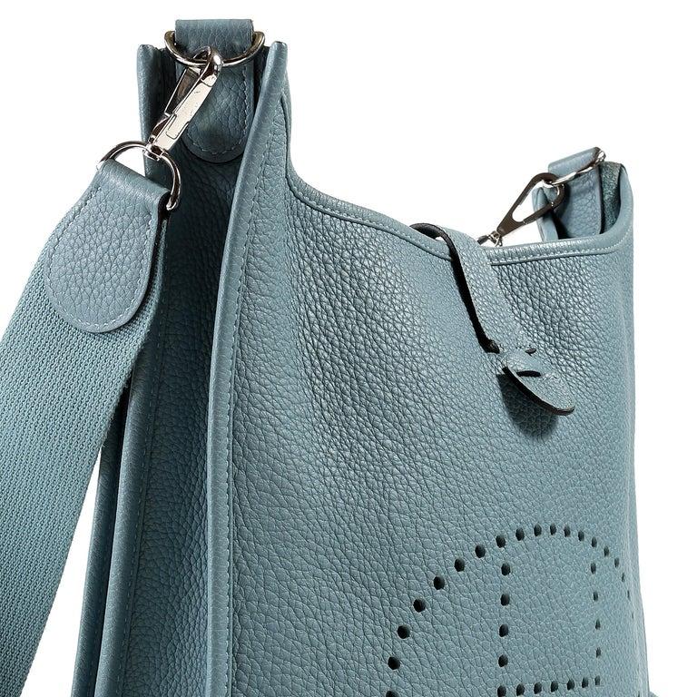 Hermès Light Blue Clemence Evelyne PM III For Sale 5
