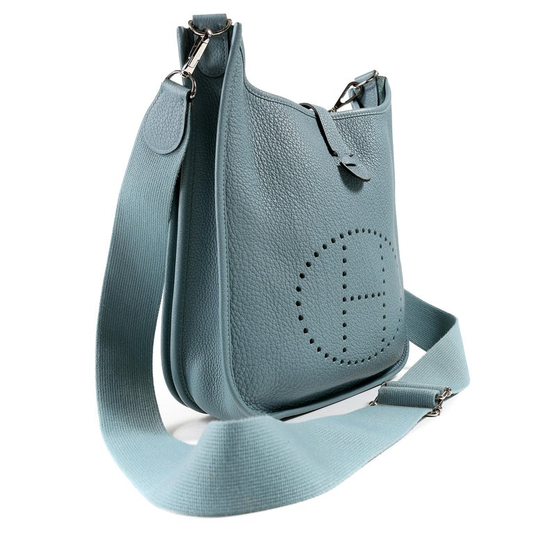 Gray Hermès Light Blue Clemence Evelyne PM III For Sale