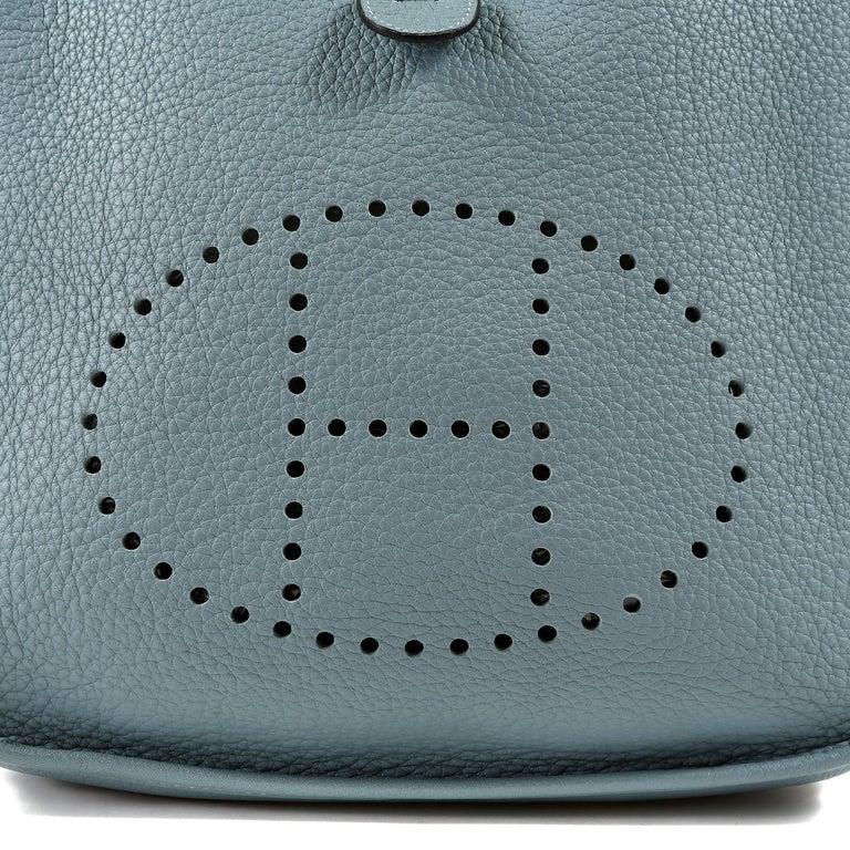 Hermès Light Blue Clemence Evelyne PM III For Sale 1