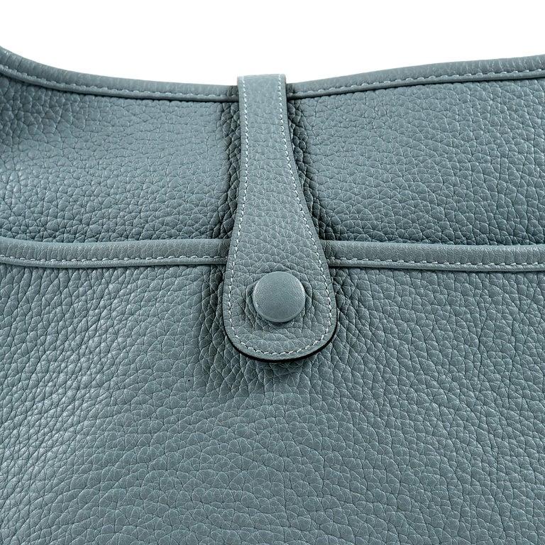 Hermès Light Blue Clemence Evelyne PM III For Sale 3