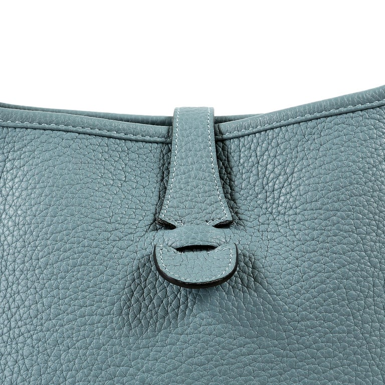 Hermès Light Blue Clemence Evelyne PM III For Sale 4