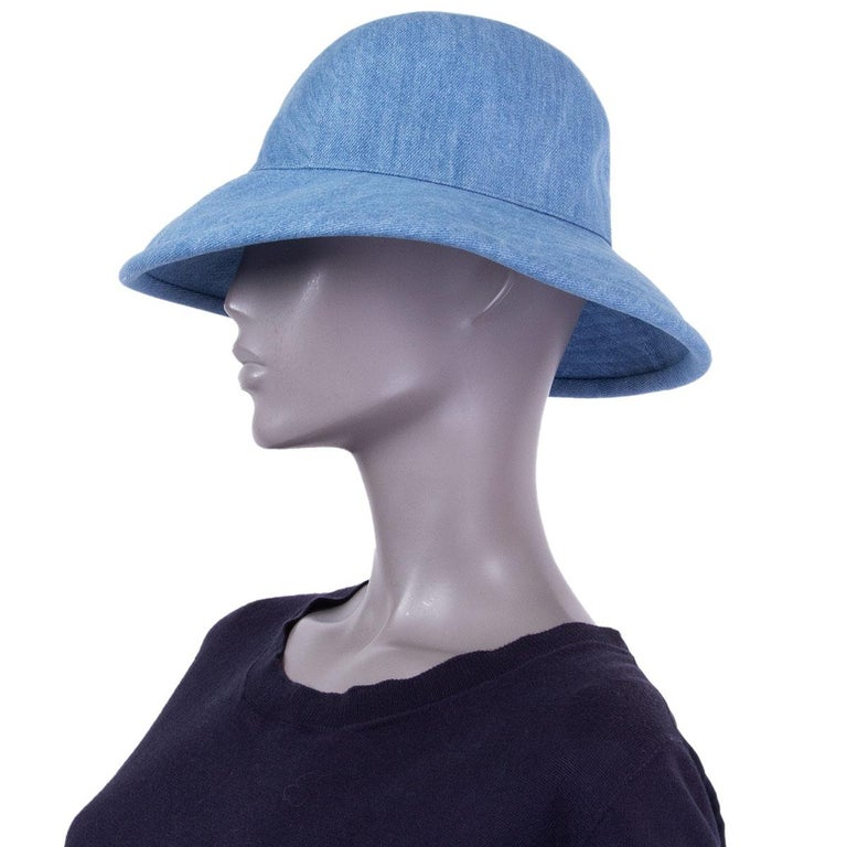 HERMES light blue cotton DENIM Wide Brimmed Bucket Hat S In Excellent Condition For Sale In Zürich, CH