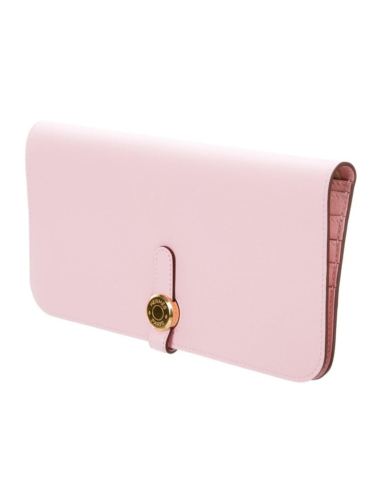 Hermes Light Pink Leather Gold Envelope Evening Clutch Wallet in Box In Excellent Condition In Chicago, IL
