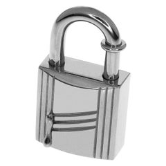 Hermes Limited 1998 Annee Arbre Cadena Lock Charm