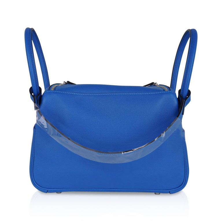 Hermes Lindy 26 Bag Beautiful Blue Hydra Evercolor Leather Palladium For Sale 6