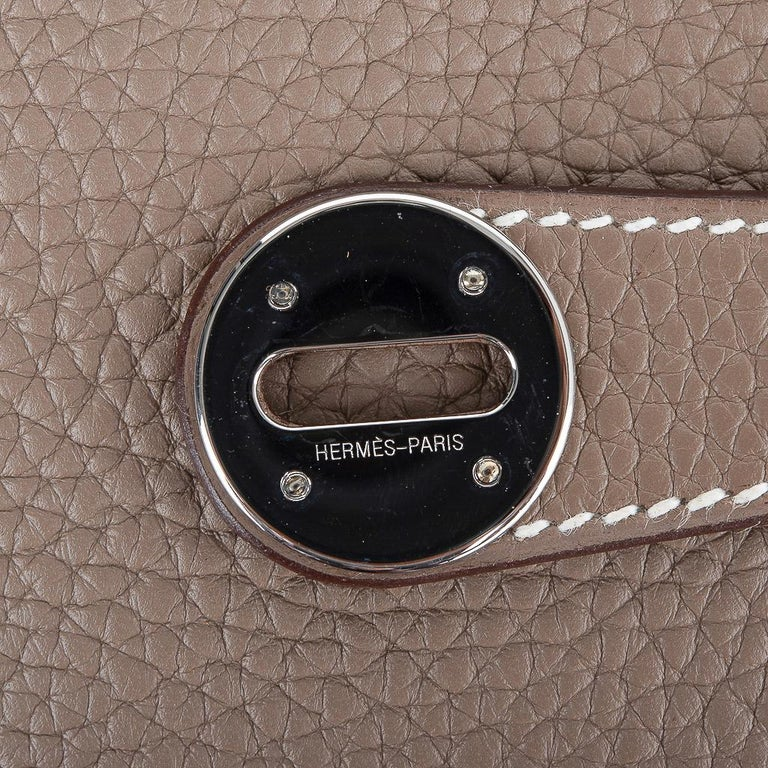 Gray Hermes Lindy 30 Bag Coveted eToupe Clemence Palladium For Sale