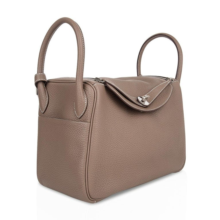 Hermes Lindy 30 Bag Coveted eToupe Clemence Palladium For Sale 1