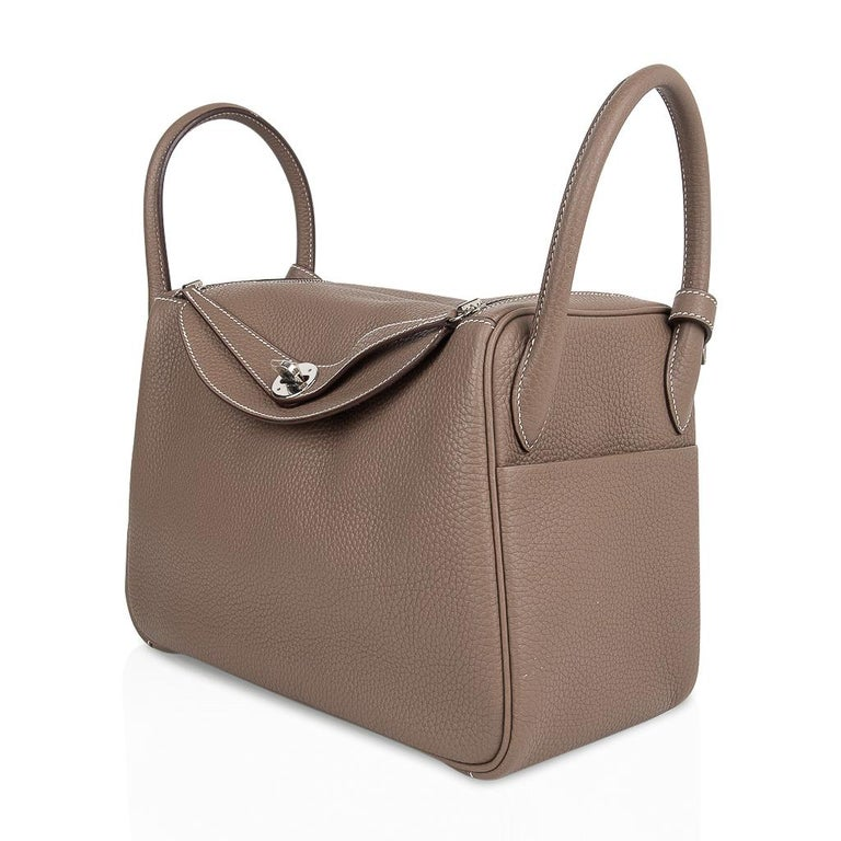 Hermes Lindy 30 Bag Coveted eToupe Clemence Palladium For Sale 3