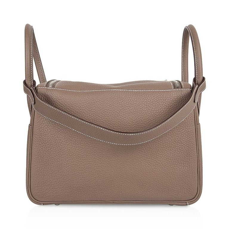 Hermes Lindy 30 Bag Coveted eToupe Clemence Palladium For Sale 4