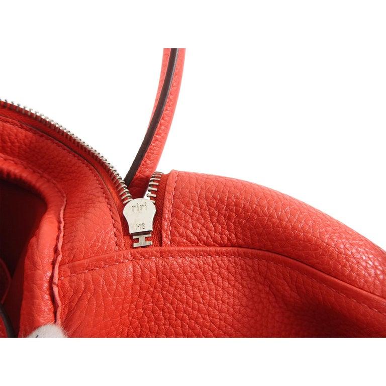 Hermes Lindy 34 Shoulder Bag in Taurillon Clemence Rouge Pivoine For Sale 7
