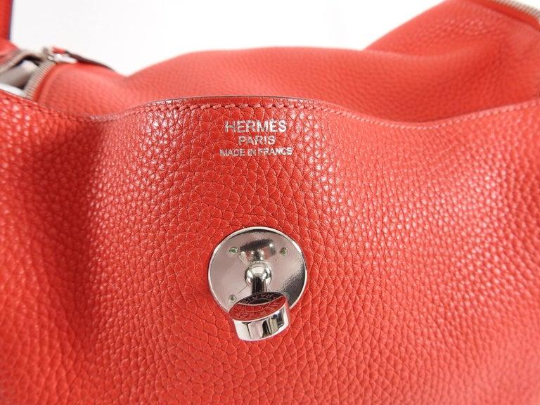 Hermes Lindy 34 Shoulder Bag in Taurillon Clemence Rouge Pivoine For Sale 10