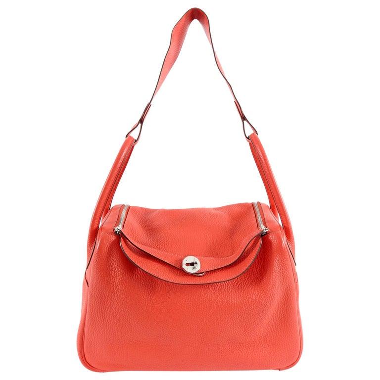 Hermes Lindy 34 Shoulder Bag in Taurillon Clemence Rouge Pivoine For Sale 1