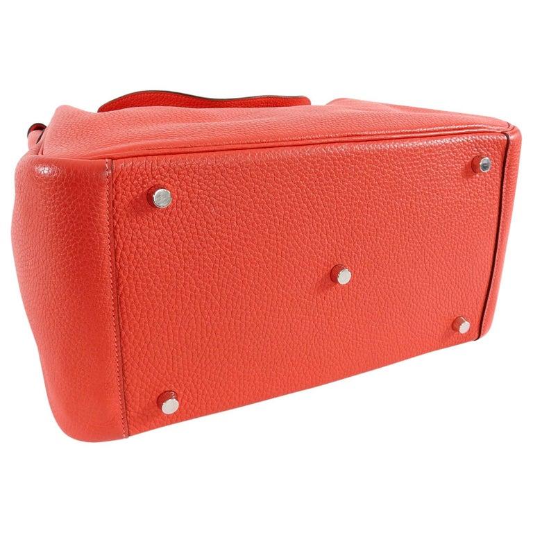 Hermes Lindy 34 Shoulder Bag in Taurillon Clemence Rouge Pivoine For Sale 4