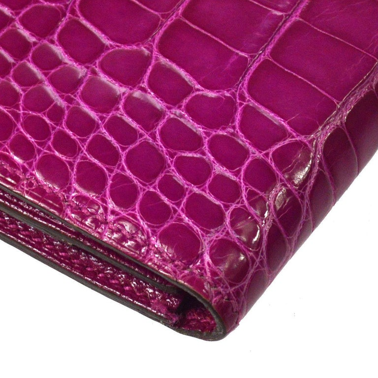 Hermes Magenta Alligator 'H' Logo Palladium Evening Clutch Wallet Bag in Box In Good Condition For Sale In Chicago, IL