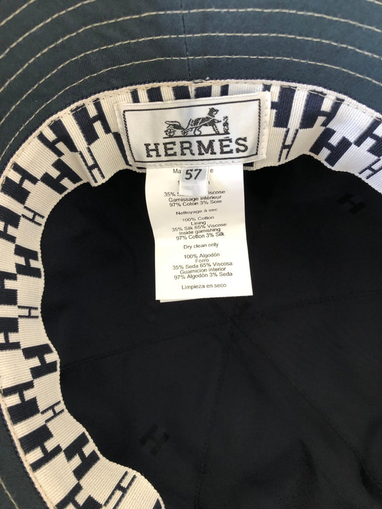 Hermes Midnight Blue Cotton Size 57 Bucket Hat w/ Tan Top Stitch & Embroidered H For Sale 13