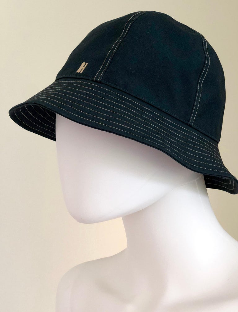 Hermes Midnight Blue Cotton Size 57 Bucket Hat w/ Tan Top Stitch & Embroidered H For Sale 1