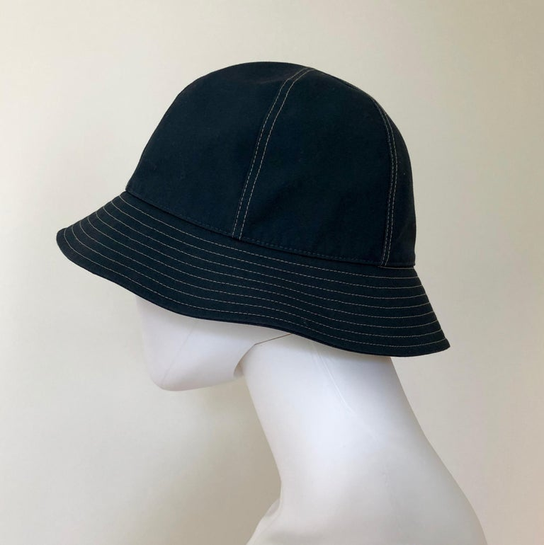 Hermes Midnight Blue Cotton Size 57 Bucket Hat w/ Tan Top Stitch & Embroidered H For Sale 2
