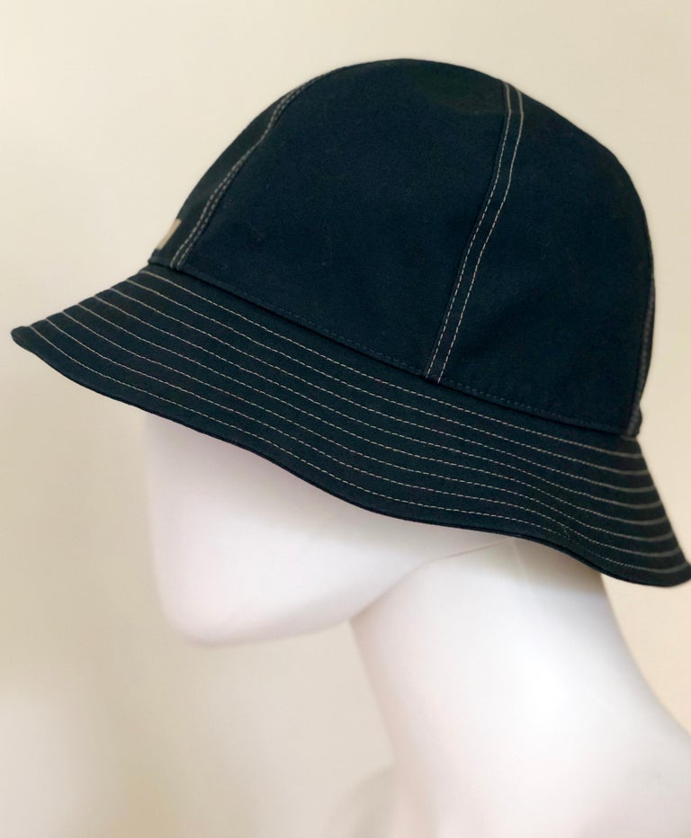 Hermes Midnight Blue Cotton Size 57 Bucket Hat w/ Tan Top Stitch & Embroidered H For Sale 4