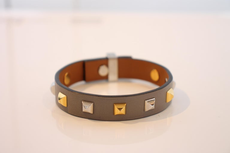 Hermes Mini Dog Clous Carres Bracelet In Good Condition For Sale In Roslyn, NY