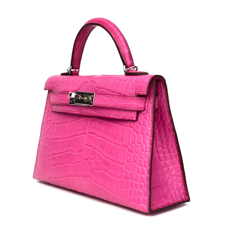 Hermès Mini Kelly II Rose Shocking Matte Alligator Palladium Hardware In New Condition For Sale In Sydney, New South Wales