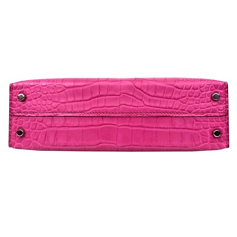 Hermès Mini Kelly II Rose Shocking Matte Alligator Palladium Hardware For Sale 1